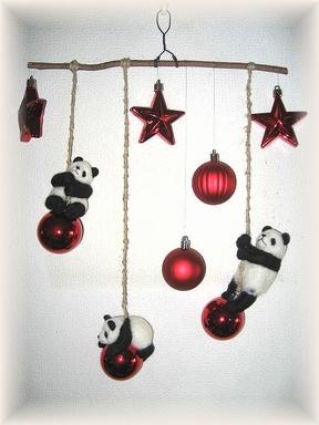 パンダのクリスマスモビール