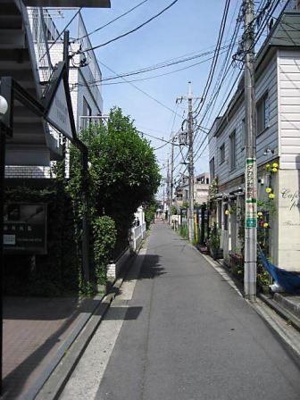 大倉山路地1