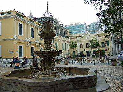 大堂前の広場1