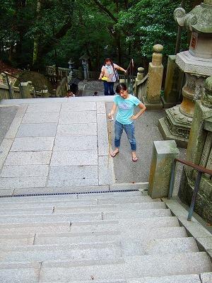 階段はさらに続く