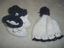 帽子とブーティー
