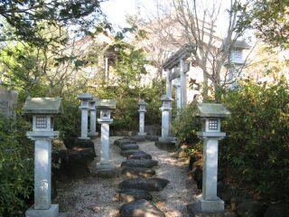竜蛇神社、参道