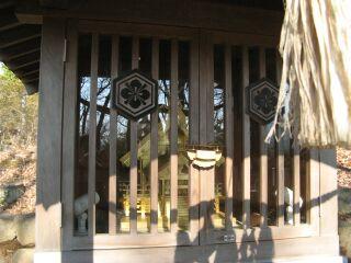 薬神神社、拝殿近景