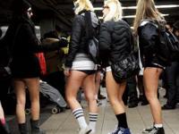 ニューヨークの「第9回ズボンをはかず地下鉄に乗ろう」イベントに3000人が参加したらしい
