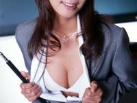 美人女教師のセクシーヌード画像