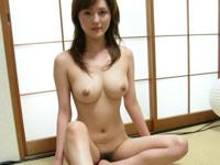 畳と美巨乳美女のヌード画像