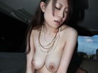 美女のカーセックス画像
