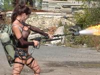 おっぱい出したセクシー美女が戦車乗ったり火炎放射器ぶっ放したりしてる画像