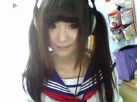 中国の美少女がセーラー服着て日本語で「尖閣諸島は中国の列島だよ」って言ってる動画が話題らしい