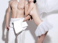 中国の若いカップルの間で、結婚記念写真をヌードで撮る人が増えてるらしい