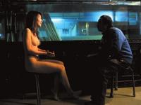 中国の女子大生ヌードモデル・蘇紫紫(苏紫紫)が裸でインタビューを受け更に話題らしい