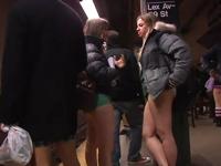 パンツなしで地下鉄に乗ろう!イベント 「No Pants Subway Ride 2011」 1/9実施