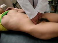 巨乳美女のエロエロ診察画像
