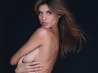 Elisabetta Canalis(エリザベッタ・カナリス)がPETAのポスターでヌードを披露
