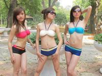 ベトナムでハノイの名門女子大生が水着のネット通販サイトにビキニで登場