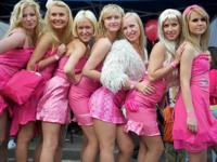 ラトビアで金髪美女たちのパレード 「Go Blonde 2011」 開催