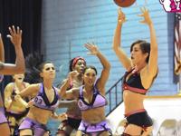 アメリカで女性選手が下着姿でプレイする「Lingerie Basketball(ランジェリー・バスケットボール)」が開幕したらしい