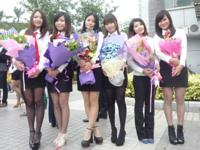 中国の外語系大学の女子大生の卒業写メ