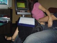 カラオケボックスでおっぱじめたカップルのセクシー画像
