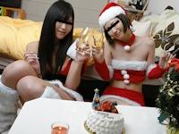 素人美女 無修正動画 「もし素人の女の子がサンタだったら ~クリスマス4P最高の贈り物~ 相川すみれ&吉田舞子 21歳」 12/24 リリース