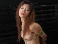 中国美女の緊縛ヌード画像