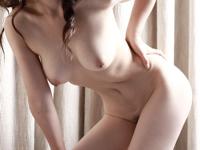 色白人妻の美しい裸体