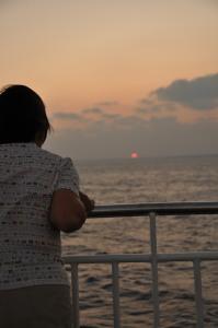 フェリー上の夕日