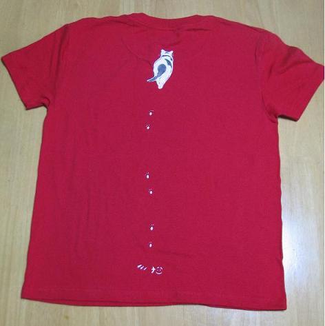 どろにゃあTシャツ後ろ赤