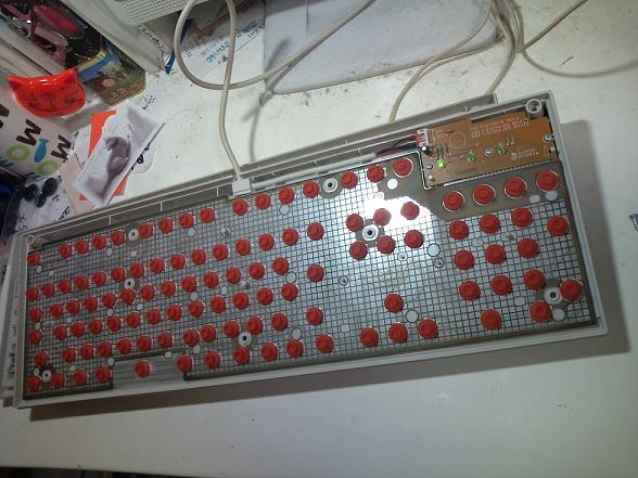 キーボード分解手術 001