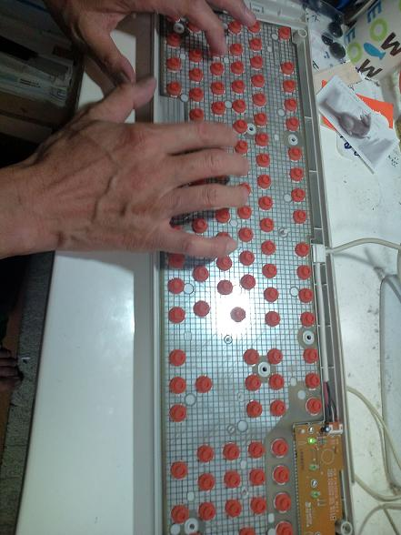 キーボード分解手術 004