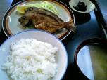 山田ホームレストラン本日の定食B魚から揚げ009