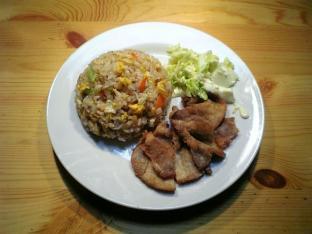 炒飯と豚ロースの唐揚げ001