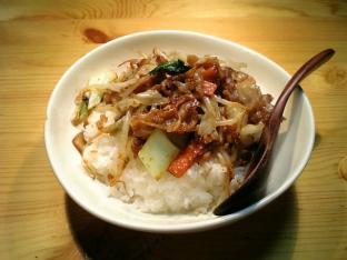中華キッコーマンマーボー味噌肉もやし野菜炒め001
