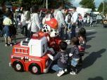 米海軍厚木航空施設)日米親善桜祭り2-4JUMBOセットメニューのハンバーガー015