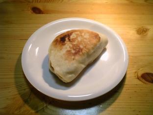 SHOWAフライパンで焼くだけピザ生地ミックスでチキンキーマカレーパン005