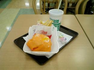 ドムドムハンバーガーお好み焼きバーガーチーズ玉003