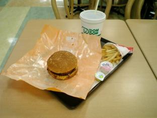 ドムドムハンバーガーお好み焼きバーガーチーズ玉004