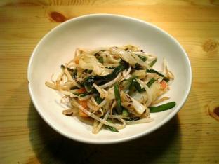 もやし野菜とにらのピリ辛中華風炒め001