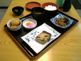 天王町かちどき食堂 マグロ味噌焼き定食003