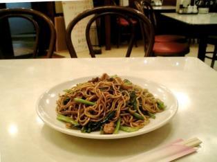 上海美食、上海風醤油焼きそば004