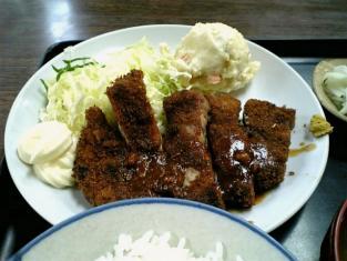山田ホームレストラン本日の定食Aポークカツ005