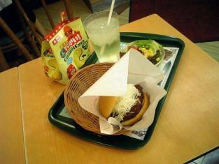 モスバーガー、ロースカツバーガー、白ぶどうソーダ、モスのでっかい!キャラメルコーン(抹茶ミルク味)002
