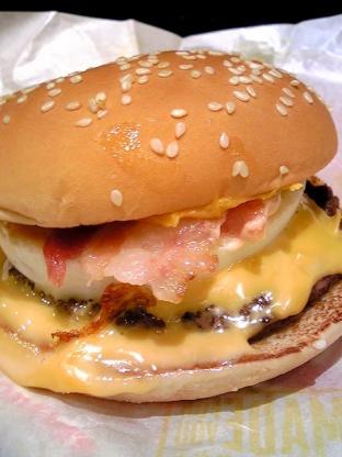 マクドナルド チーズ月見バーガー、アイスカフェラテ003