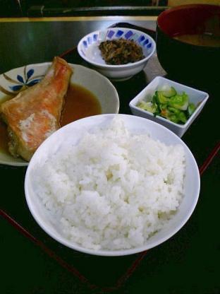 和食いちばんで金目鯛煮つけ定食1