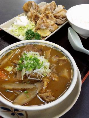 和食いちばん中華風鶏唐揚げ牛もつ煮込みライス小2