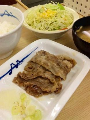 松屋横浜南幸店 で焼肉フェア第1弾、牛焼肉定食490円2
