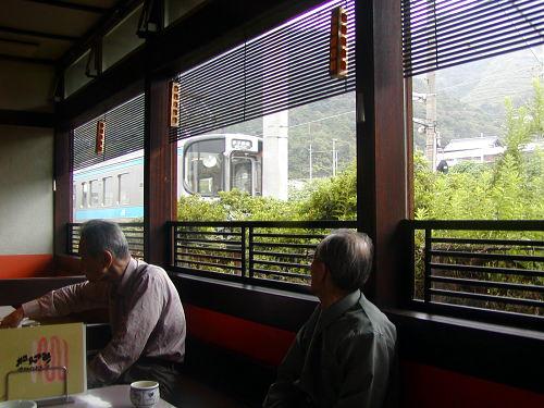 20030924kanaizumi500jr.jpg