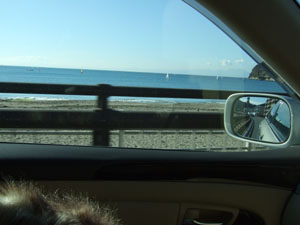 由比ガ浜付近の海