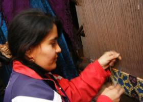 2006_0105ウズベキスタンのじゅうたん工房