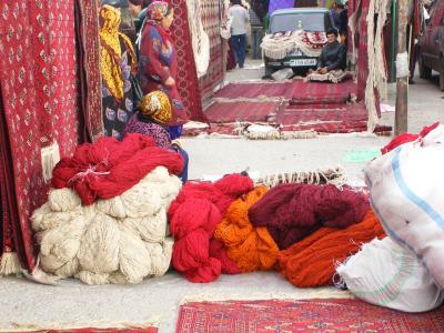 絨毯の材料?ウールの山